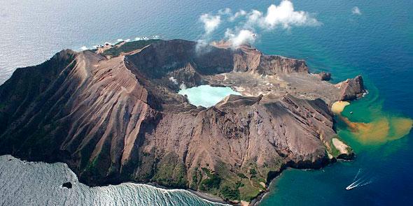 Volcano-White-Island.jpg